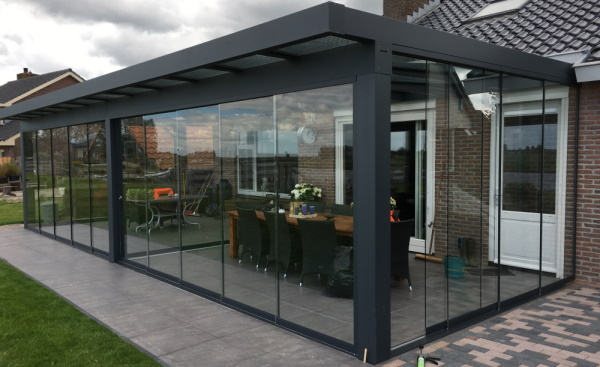 Terrasoverkapping Gelderland glazen wand