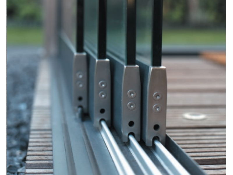 fundering voor glazen schuifwand onder rail